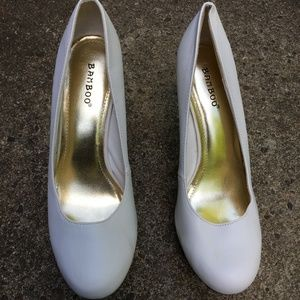 NWD - Bamboo - White and Gold High Heels - Size 10